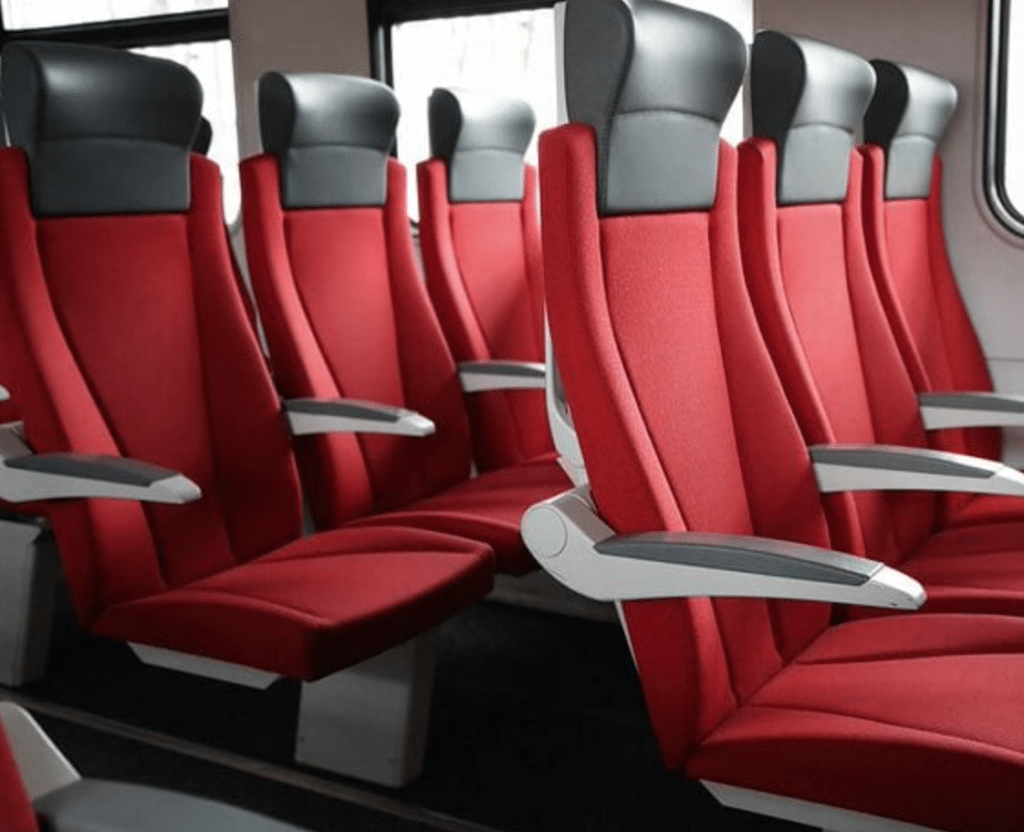 FAKUMA: Senoplast präsentiert neue Oberflächen für Bahn und Kühlgeräteindustrie